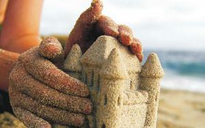 Детский замок из песка